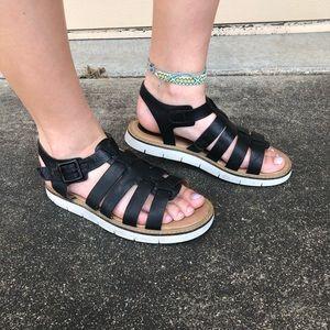 clark's vintage black and white sandals